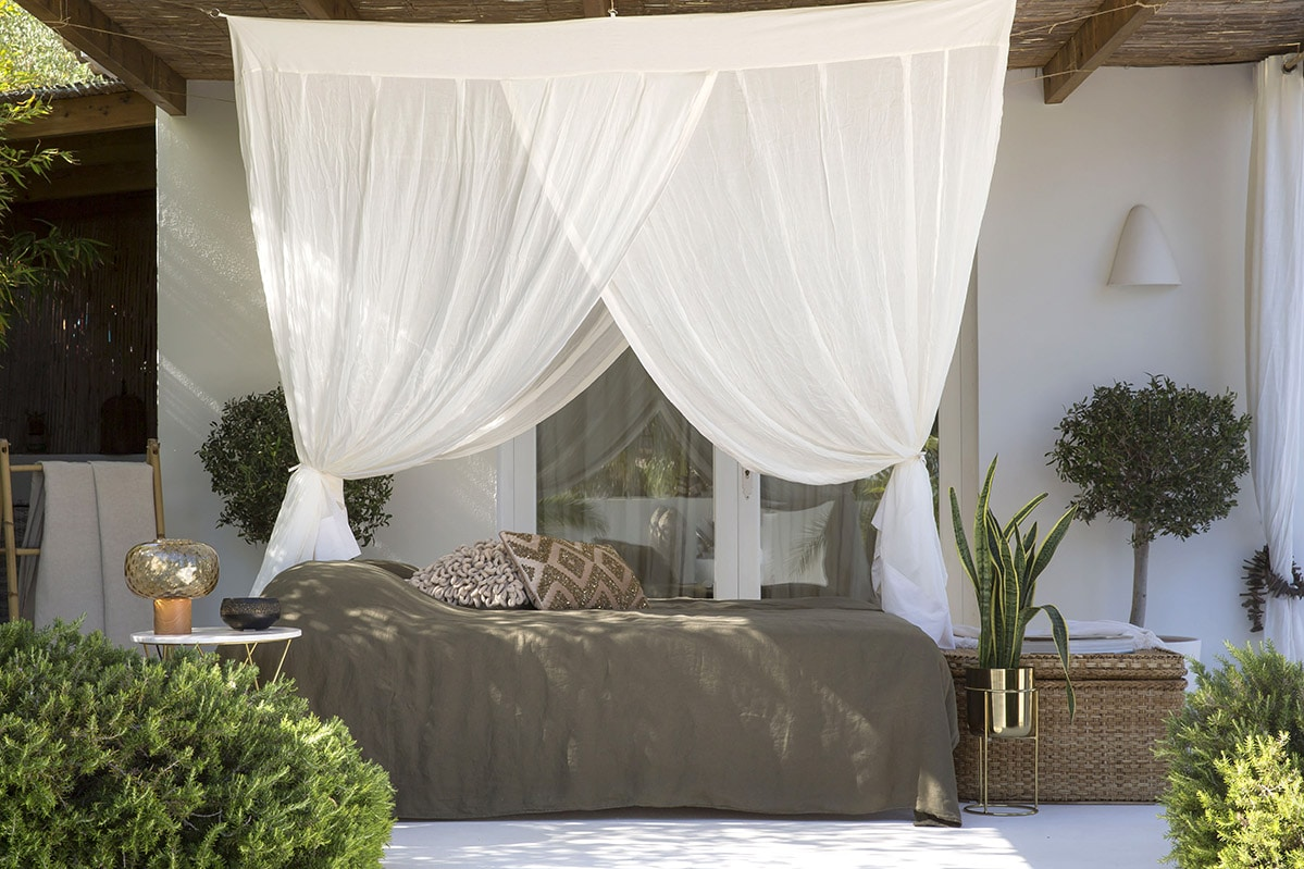 Bambulah Sanggah Mosquito Net
