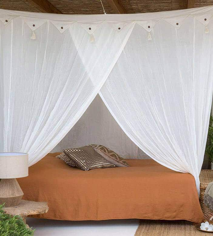 square bed canopy